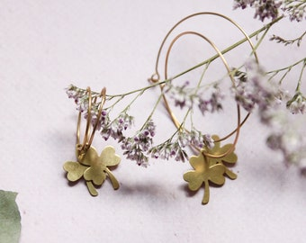 Clover hoops | Engraved jewelry