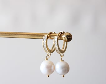Pearls and cristal earrings