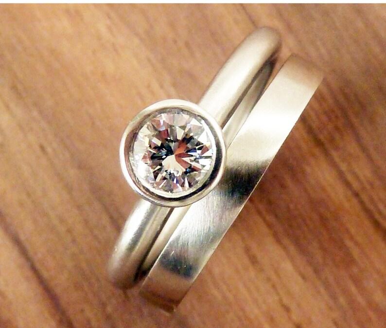 a178f5efe15b Conjunto de anillo de compromiso solitario diamante de medio