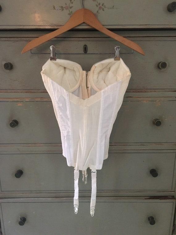 Vintage lace bustier / corset / garter lingerie - image 2