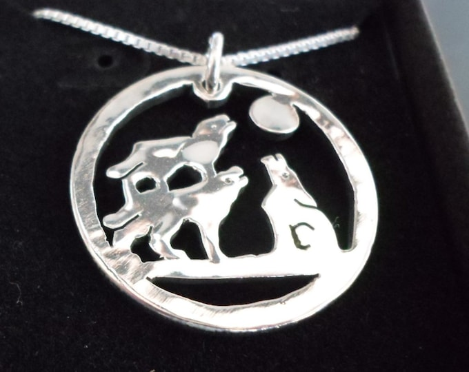 3 wolf necklace half dollar size w/sterling silver chain