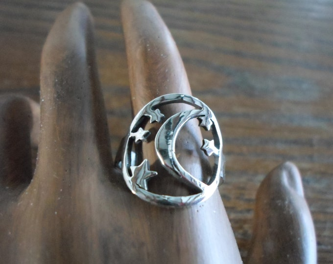 moon and stars ring dime size