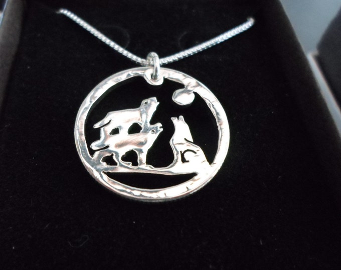 3 wolf necklace quarter size w/sterling silver chain