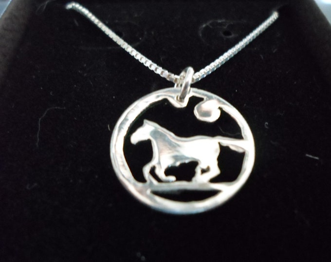 Horse necklace dime size w/sterling silver chain