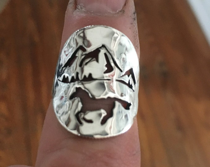 Horse w/mountains quarter size sterling silver original by mountain man