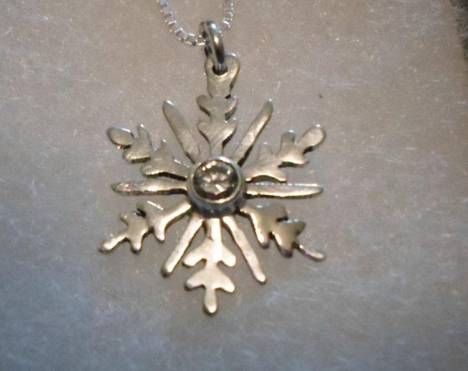cz snowflake quarter size w/sterling silver chain