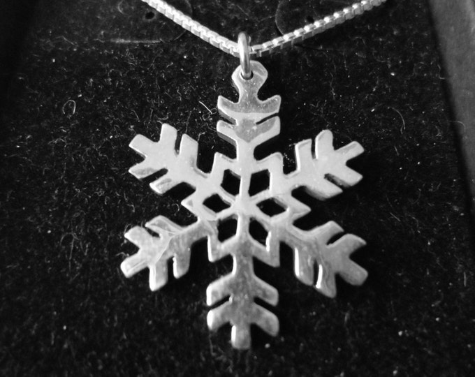 Snowflake  half dollar size necklace w/sterling chain