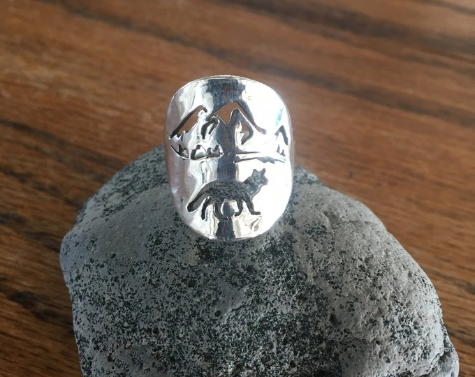 Fox ring quarter size w/mountains