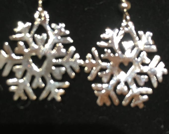 Heart snowflake earrings