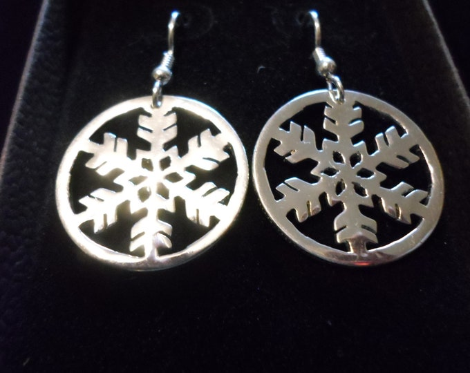 snowflake dime size earrings w/rim