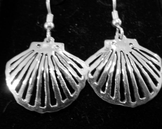 Shell earrings quarter size w/sterling ear wires