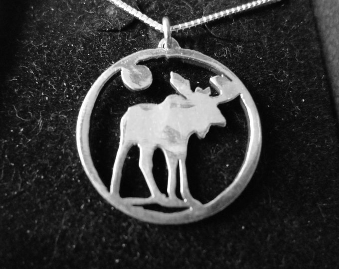 Moose necklace quarter size w/sterling silver chain