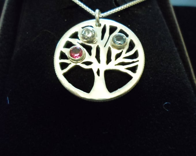 mothers tree w/4 mm created faceted stone w/sterling silver chain