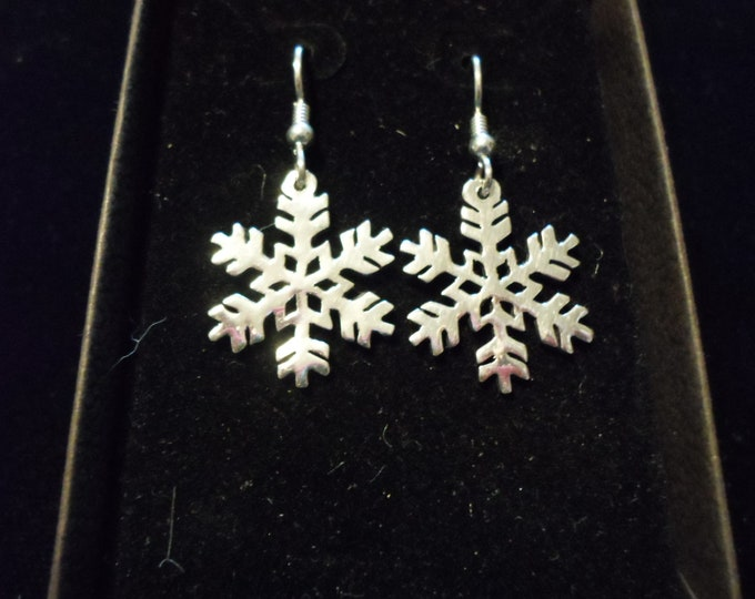 snowflake earrings dime size