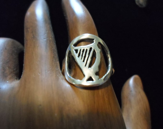 Irish harp ring dime size