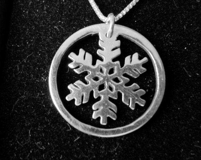 Snowflake necklace quarter size w/rim w/sterling silver chain