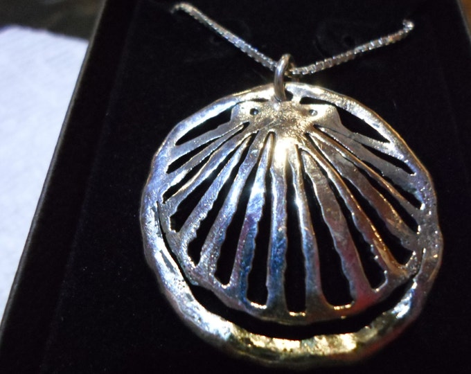 """large 32mm -32mm melted shell w/20"""" sterling silver box chain"""