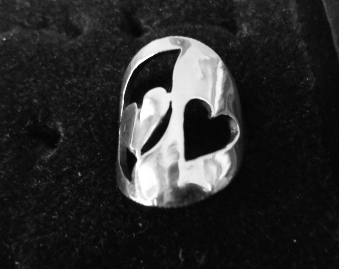 Reflection ring 2 hearts quarter size