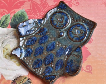Spoon rest. Owl spoon rest. Owl soap dish. Hand carved Owl trinket dish. Owl plate. Ceramic Owl plate