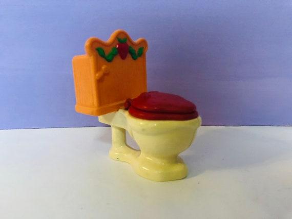 f006b7c840f Vintage Strawberry Shortcake Toilet Berry Happy Home   Etsy