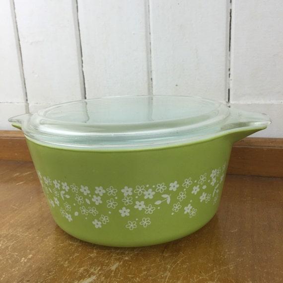 Vintage Pyrex lidded cass...