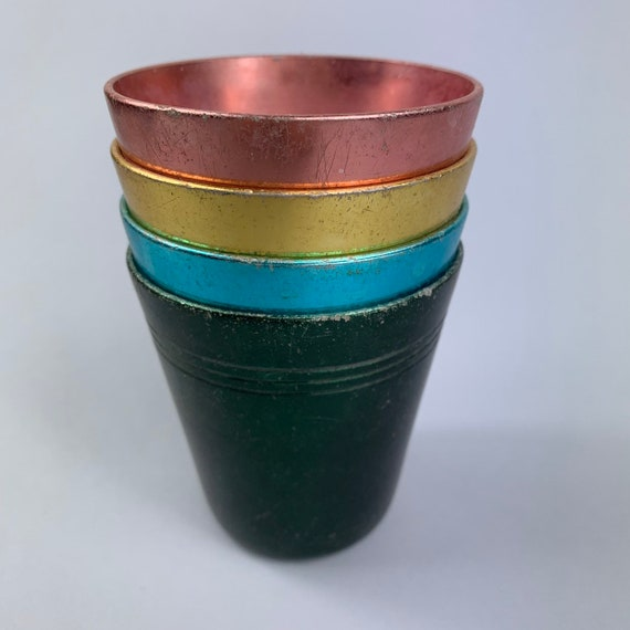 4 x anodised cups