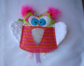 SALE lime green hearts and pink rick rack OWL I Spy game, plush and cuddly, get the wiggles out, sensory toy, quiet game