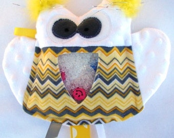 yellow and white OWL I Spy bag, plush and cuddly, get the wiggles out, sensory toy, quiet game