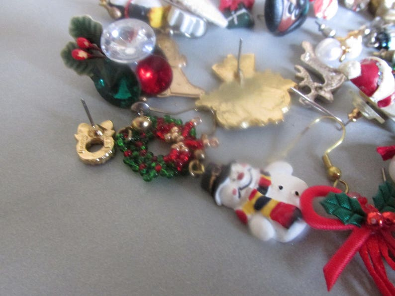 Collectible Jewelry Party Favors 30 Craft Thirty Assorted Christmas Jewelry