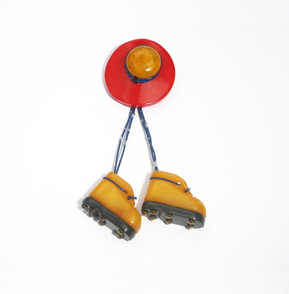Hat and Walking Boots Brooch, 1930s, USA  // Machi