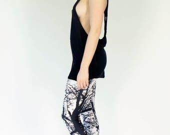 Grunge Black & White Dead Tree Printed Leggings