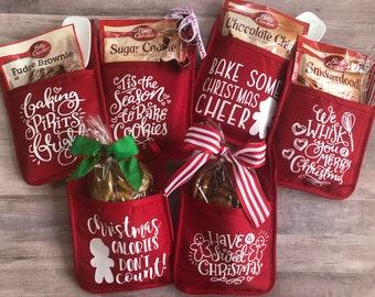 Neighbor Gift | Potholder Neighbor Gift | Oven Mitt Gift | Easy Holiday Gift | Cookie Gift | Christmas Gift | Coworker Gift | Baked Goods