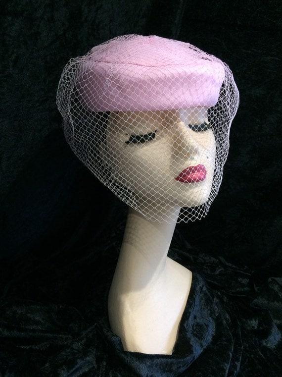 c330d198d7601 Vintage Pillbox hat baby pink 1940 1950 wool felt netted veil | Etsy