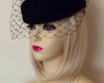 NEW vintage 1940's 1950's STYLE BLACK Pillbox Veil Hat Races Wedding Funeral Face Net netted pill box hat rose feather boa bow dita von tees