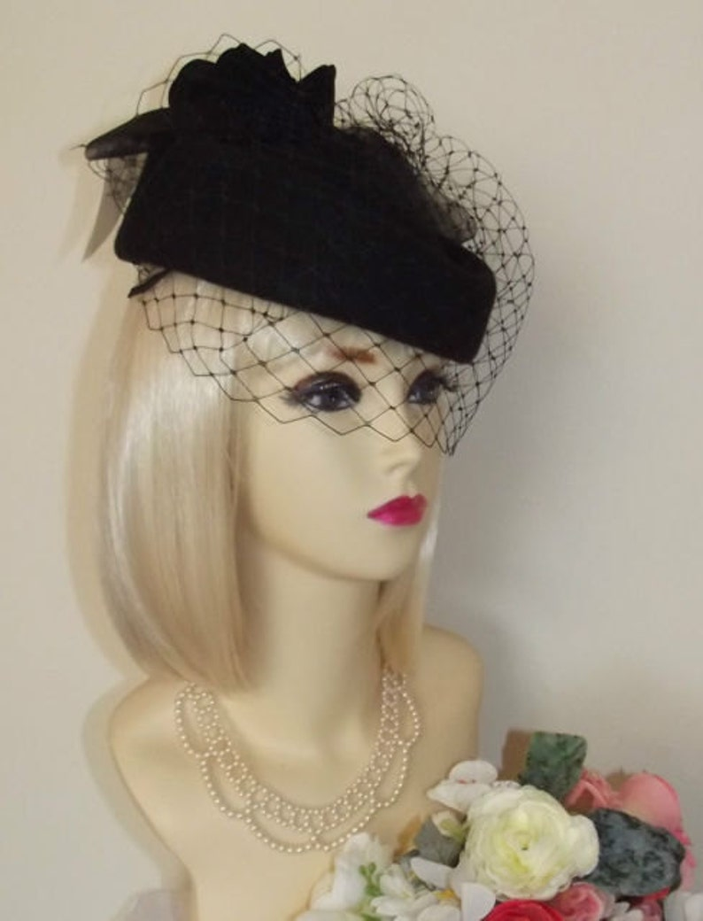 NEW vintage 1940s 50s STYLE BLACK Pillbox Veil Hat Races  46bf1c7250d