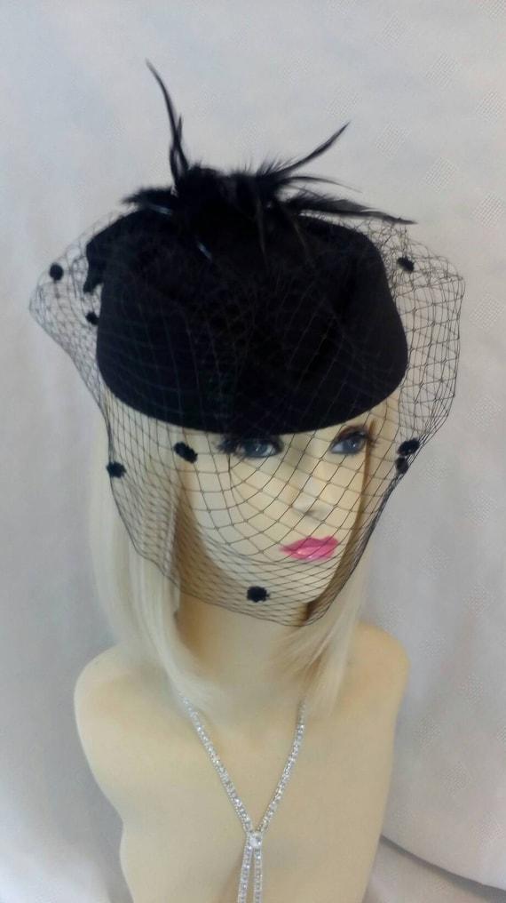 Vintage Pillbox hat 1940 1950 wool felt netted veil christmas  d6bc79ed512
