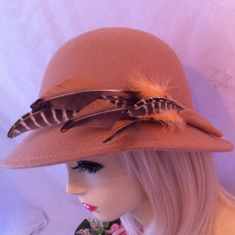 d0c2b0d2f CLEARANCE SALE Wool hat vintage 1920s 1930s beige hat Flapper art deco head  dress pheasent downton abbey great english country hunting feat