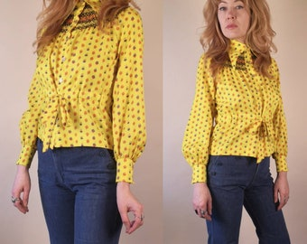 ab4bfd3c45ffba Vintage 1970 s Pointed Collar Yellow Floral Blouse Small