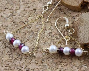 Delicate pearl and garnet errings, 4K gold fill chain earings, bar shape earings,pearl and garnet beads, handmade jewelry