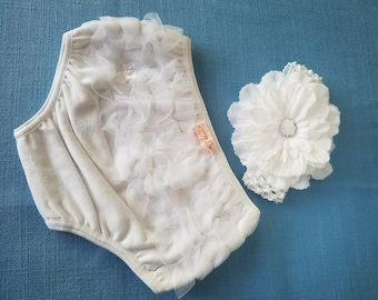 White Ruffle Baby Bloomer Diaper Cover Flower Headband, Size 6 months Baby Photo Prop Accessory Set White Baptism Baby Pictures