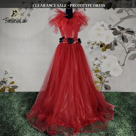 Clearance Sale Lydia Deetz Wedding Dress 40 Off Wedding Etsy