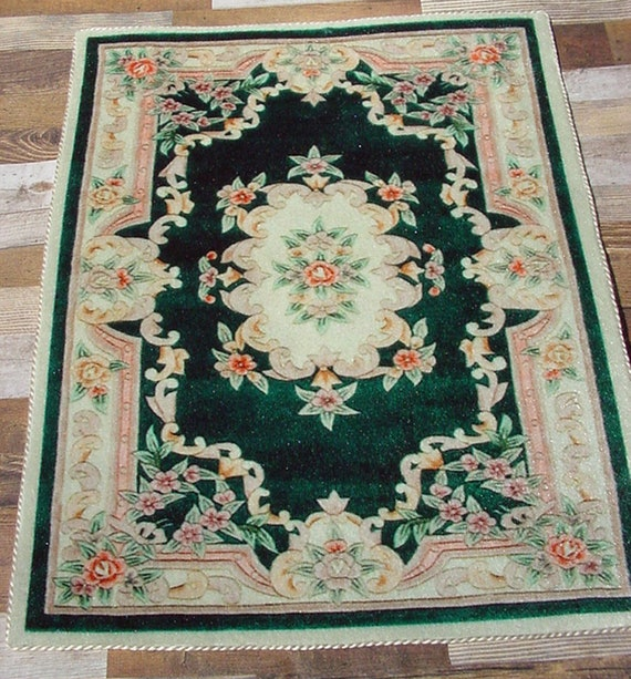 Dollhouse Miniature 1:12 Large Rug in Green by International Miniatures