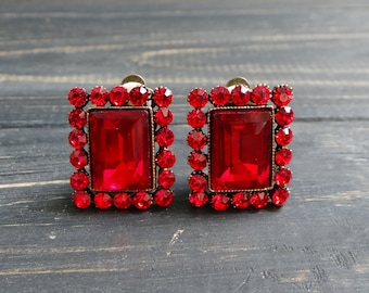 Ruby red Bridal clip-on earrings Square No pierce earrings Bloody red crystal fashion clip on Vintage jewelry for mom bride gift wedding