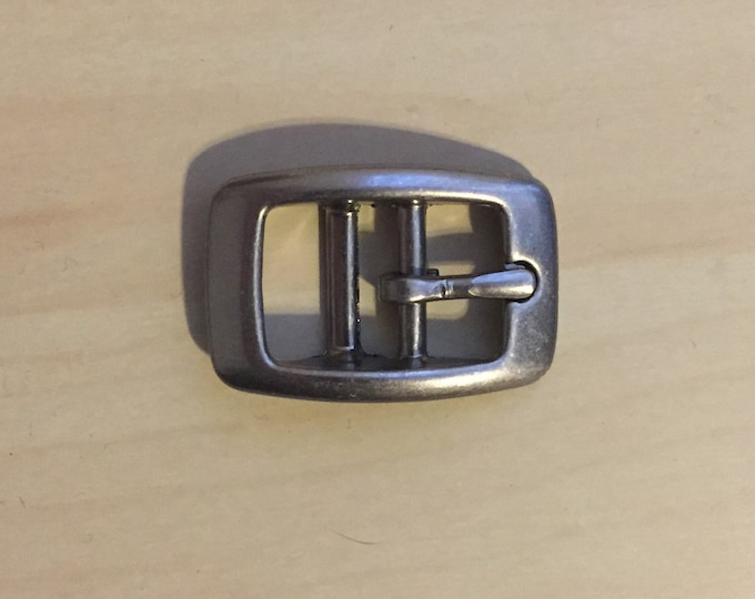 """Lot of 200 5/8"""" Buckles Belts Collars Brushed Nickel Finish"""