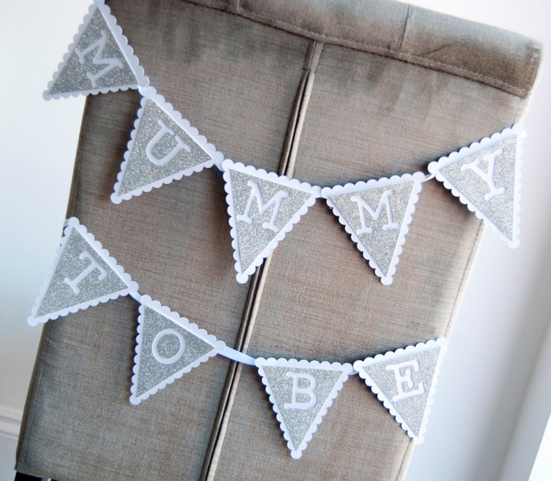Scalloped Mother To Be Bunting Baby Shower