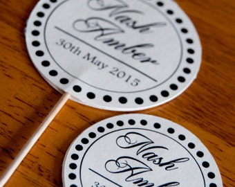 10x Personalised Double Circle Name Cards
