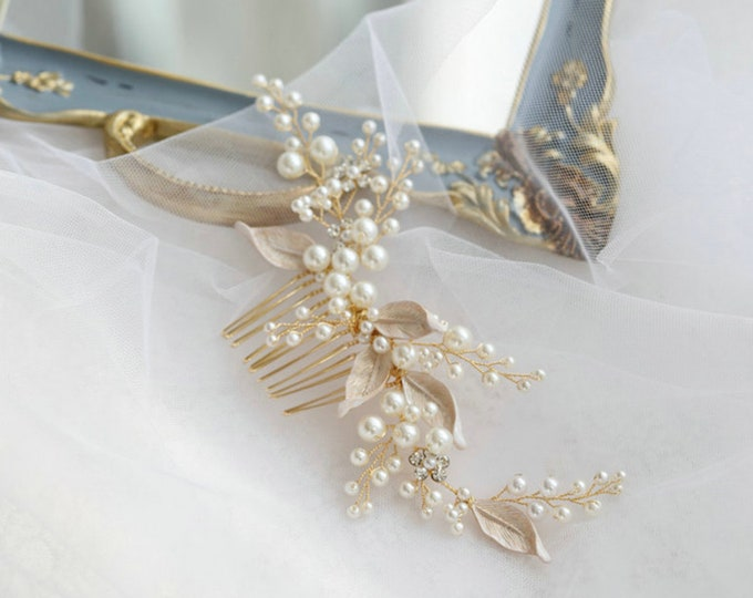 Featured listing image: Luxury Gorgeous Pearl Crystal Bridal Hair Comb | Gold Leaf Headdress| Wedding Hair Accessories| Gold Wedding Headpiece |Bridesmaid Hair Comb