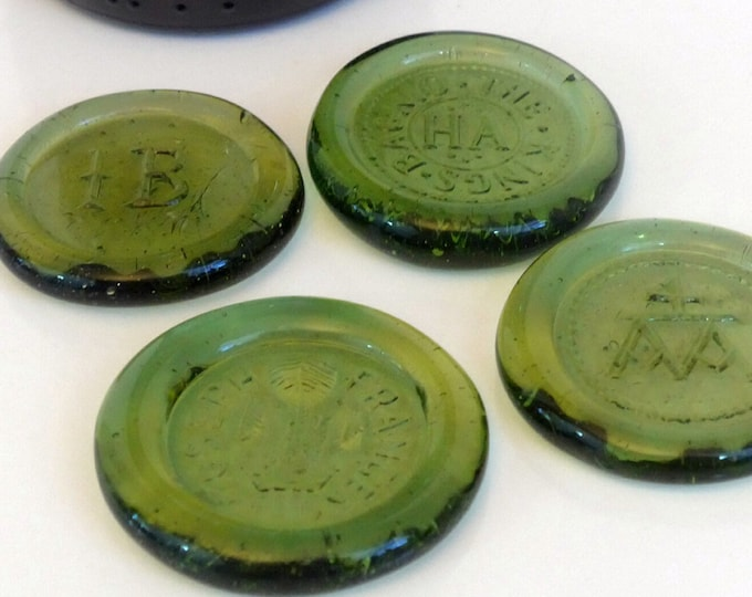 4 Glass Bottle Seals Vintage - 1970s Reproduction of English Bottle Seals Souvenirs of England - The Kings Whore - Anne Boleyn