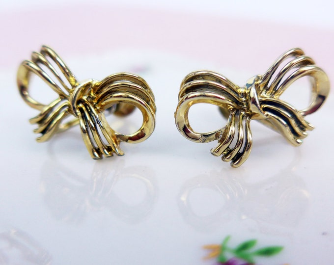 Vintage Lisner Gold Tone Earrings - 3D Bow Screwback Mid century Retro Earrings - Mad Men Era Jewelry
