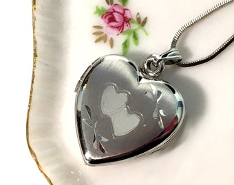 "Vintage Sterling Silver Locket LOVE Etched w/ 2 Hearts - Retro 925 Pendant Two Photo Compartment Locket Necklace on 18"" Serpentine Chain"